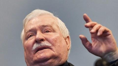 Lech Walesának rágalmazás miatt bocsánatot kell kérnie Jaroslaw Kaczynskitől