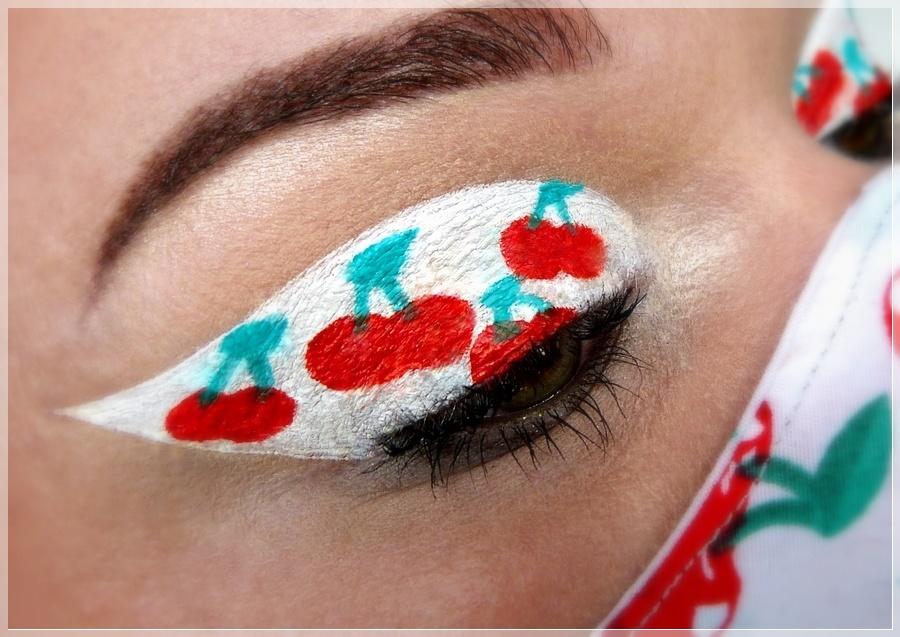 Augen make up rote Kirschen
