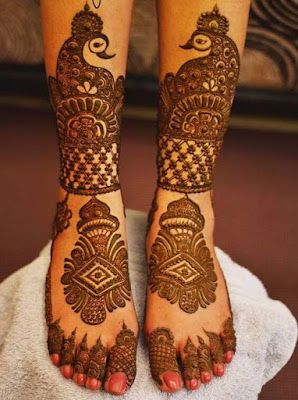 Pair ki mehndi ki design