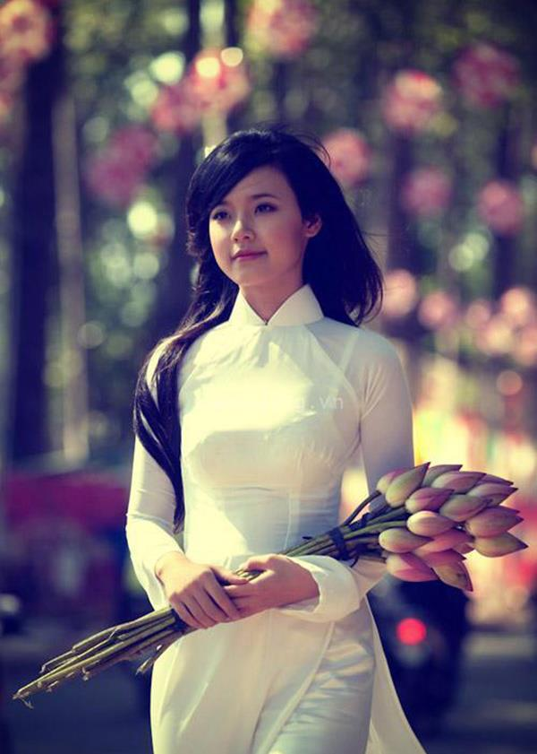 Most lovely girls in Ao dai, ao dai beautiful girl, vietnamese girl in Ao dai, hot girl in Ao dai, Vietnamese hot school girl, Hình ảnh hot girl kute ,Tự hào con gái Việt Nam