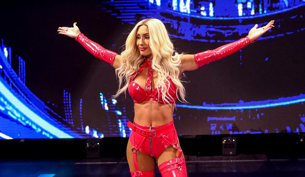 Carmella destrói Sasha Banks no Friday Night SmackDown
