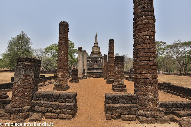 main chedi from the viharn