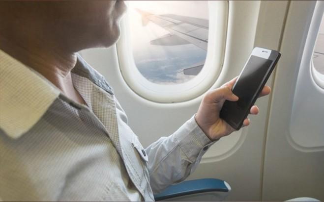 अब हवाई जहाज में 30 हजार फुट की ऊंचाई पर भी होगी Jio सिम से बातें, जानें कैसे