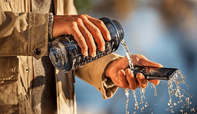 إصلاح الهاتف المعطل المبلل بالمياه