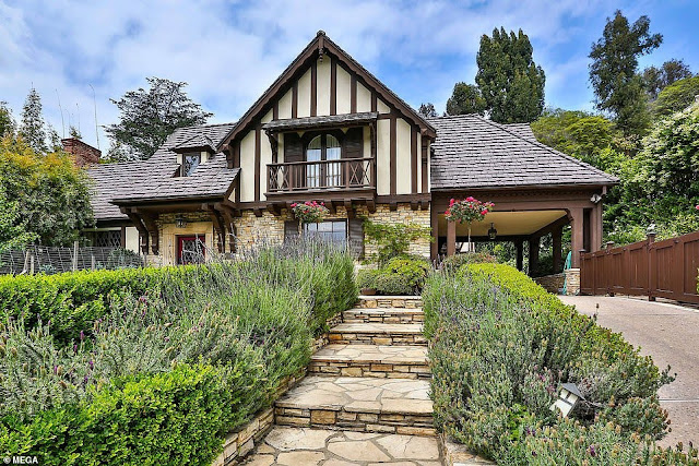 Rihanna Buys another mansion in Beverly Hills that Worth $10m (Photos)