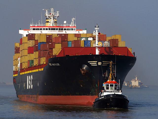 """ما هو السبب وراء طلاء الجزء السفلي من السفن بـ """"اللون الأحمر"""""""