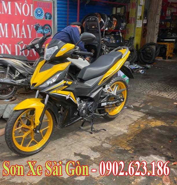 Sơn mâm xe máy Honda Winner màu vàng kim cực đẹp