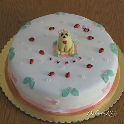 torta cagnolino coccinelle fiori
