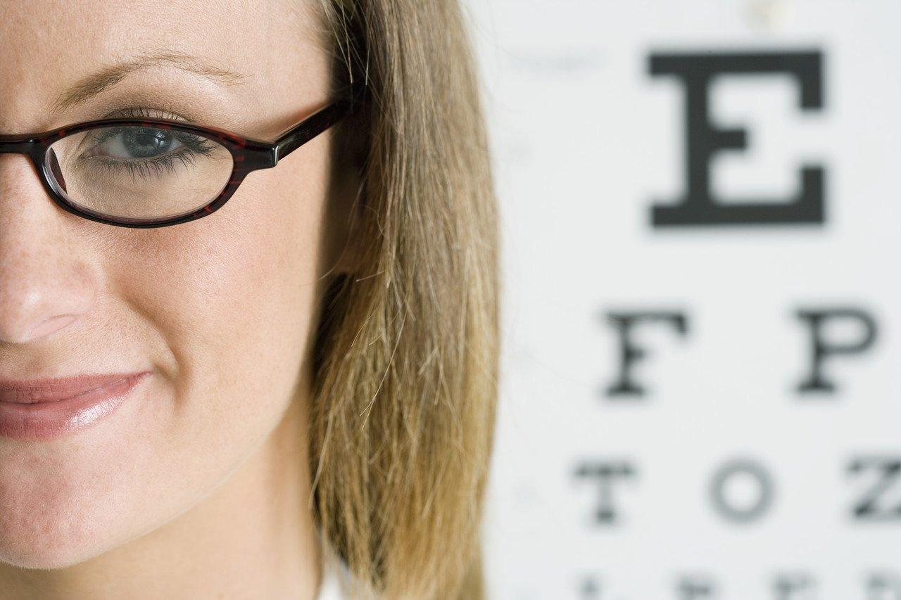 Tulburari de vedere: ce cauze are vederea incetosata?