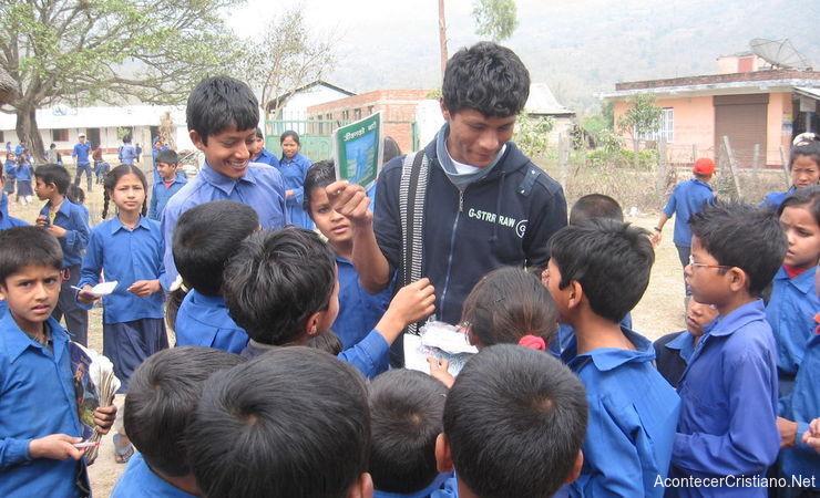 Misionero cristiano en el campo