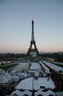 mercatini Natale Parigi Torre Eiffel