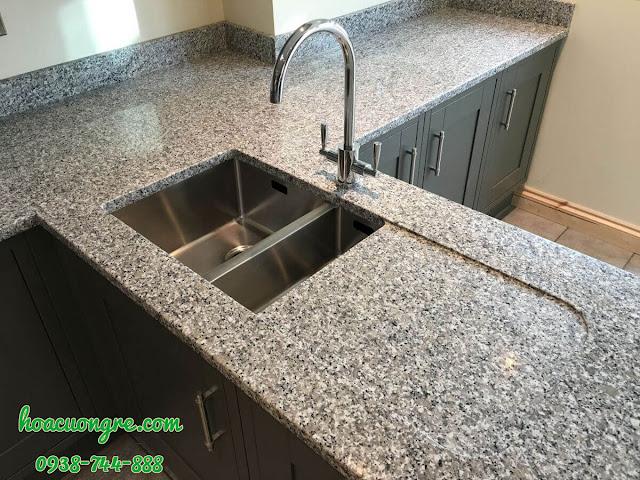 granite trắng xanh Tây Ban Nha ốp bếp