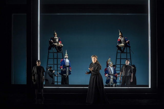 Verdi: Les vêpres siciliennes - Christine Byrne, Anush Hovhannisyan, Robyn Lyn Evans - Welsh National Opera (Photo Johan Person)