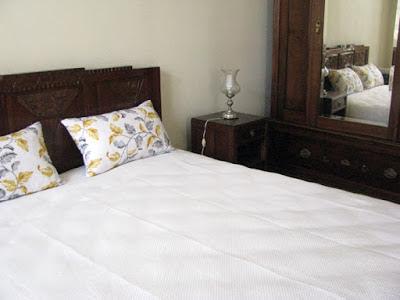 Mobília de um dos quartos da Casa MIndela