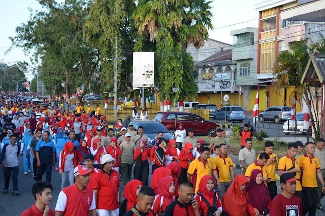 Personil Korem 141/Tp Turut Berpartisipasi di Gerak Jalan Santai HUT RI ke 74