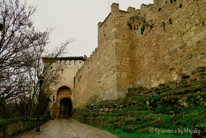 Segovia 世界遺産セゴビアのサンティアゴ門