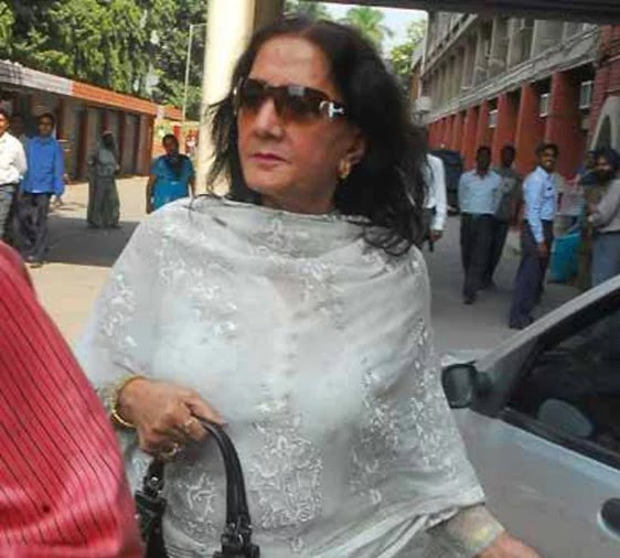 Dharmendra Birthday Special First Wife Prakash Kaur Far From Limelight