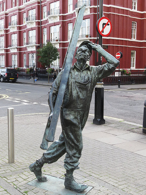 The Window Cleaner by Allan Sly, Capital House, Chapel Street, Marylebone, London