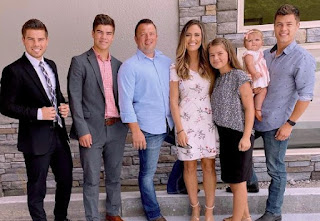 Picture of Trace Bates with his siblings