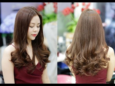 Tóc uốn đuôi là kiểu tóc cho phụ nữ tuổi 35 khá được yêu thích bởi sự đơn giản, nhẹ nhàng
