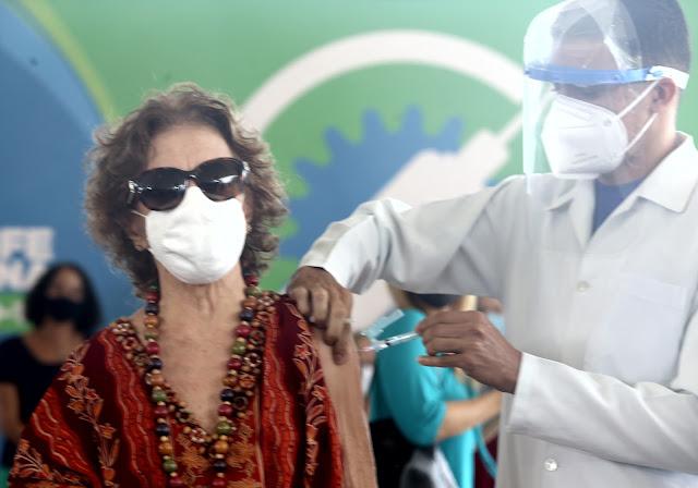 Pernambuco atinge imunização contra covid-19 de 92% dos idosos a partir dos 85 anos