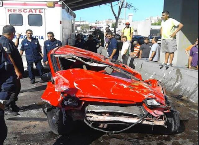Dos mujeres murieron al caer en su automóvil desde un elevado