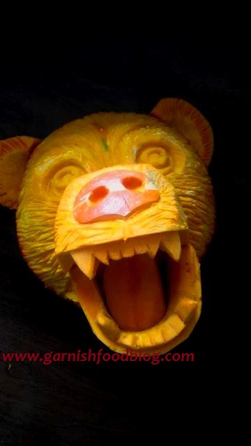 roaring bear head carving art