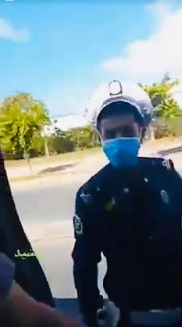ولاية أمن البيضاء تتفاعل مع الفيديو الذي اتهم فيه شخص شرطي المرور بتحرير مخالفة مرورية وعرضه لسلوك غير لائق✍️👇👇👇