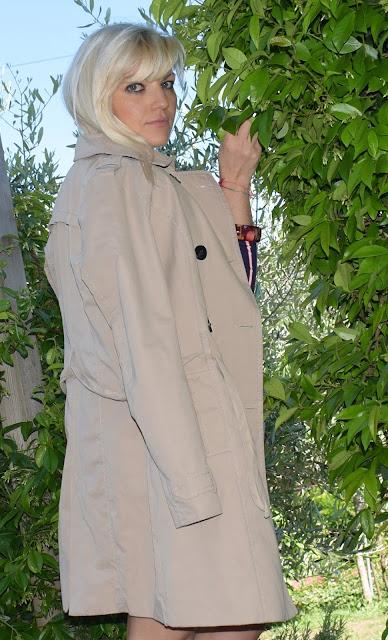 outfit trench come abbinare il trench outfit casual outfit preppy cosa indossare il fine settimana outfit primaverile casual outfit maggio 2019 mariafelicia magno fashion blogger colorblock by felym fashion blogger italiane blog di moda