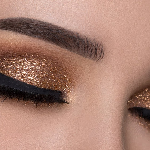 Perfect Eye Makeup Tutorial And Tips For Beginners Step By Step Guide Makeup Artist In Delhi