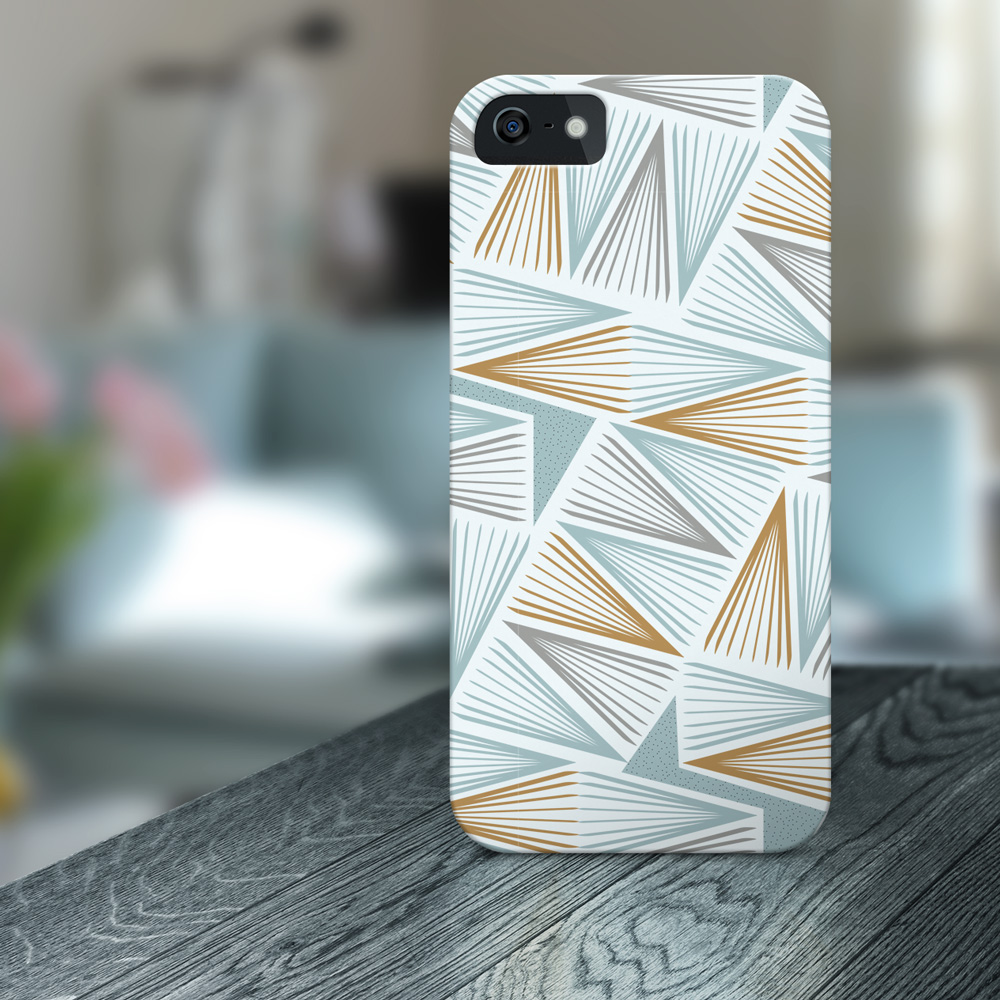 Cool phone case with geometric pattern