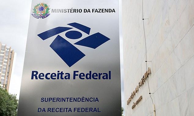 Receita Federal: déficit de 20 mil servidores acelera concurso