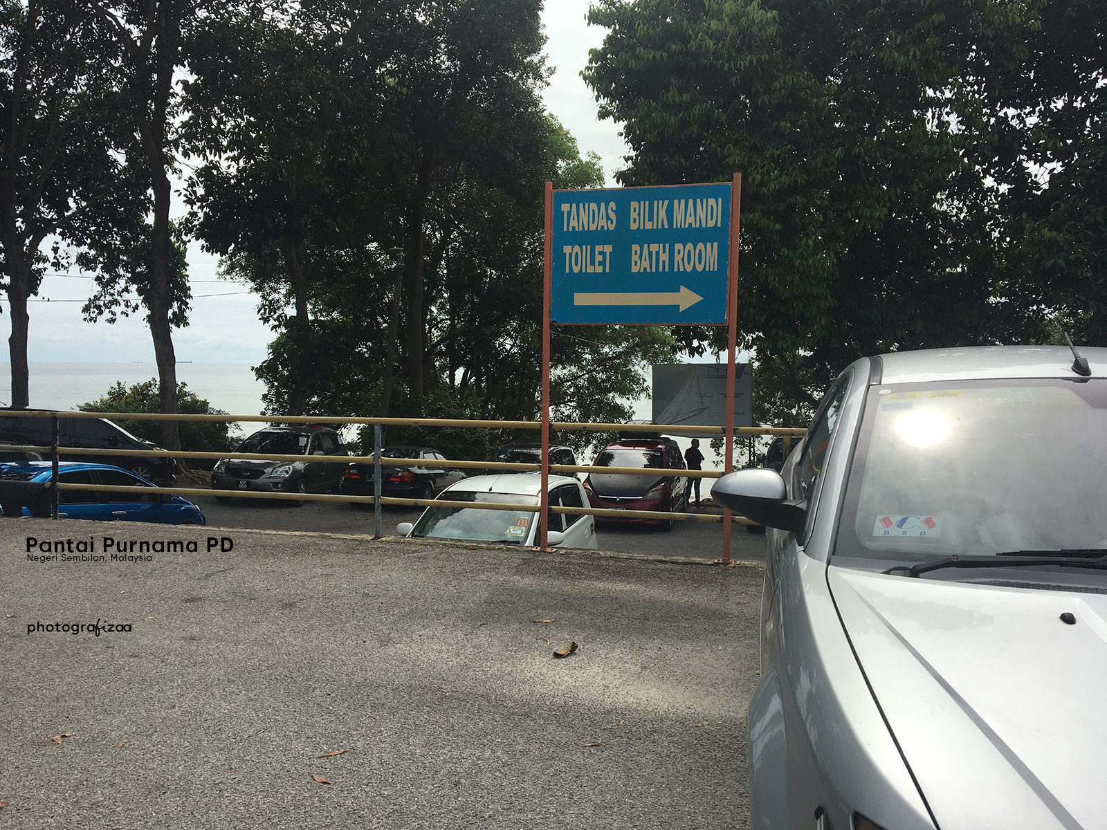 Ruang Parkir Pantai Purnama Port Dickson