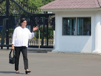 Sri Mulyani Diminta Presiden Jokowi Pegang Kementerian Keuangan