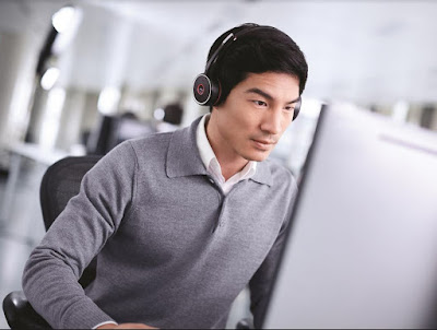 Source: Jabra. The Evolve 75 in action in an open office.