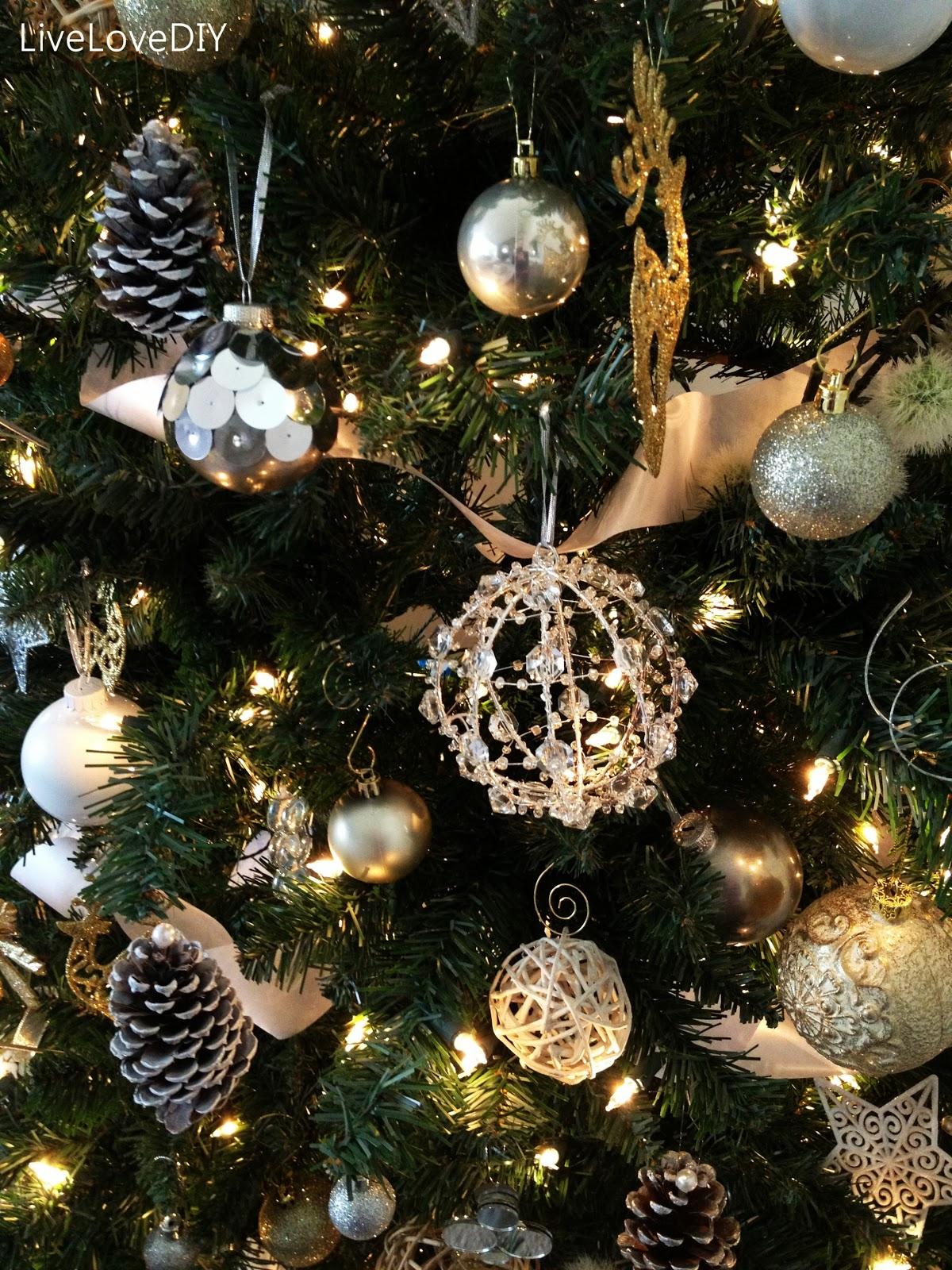Christmas tree decorations ideas homemade elitflat livelovediy diy christmas tree decor solutioingenieria Choice Image