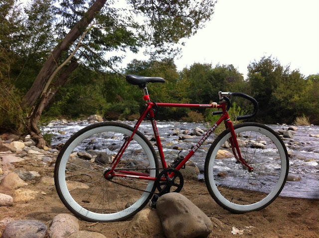 #SENDUSYOURBIKE: Bianchi refurbished by N. Santander from Talca (Chile)