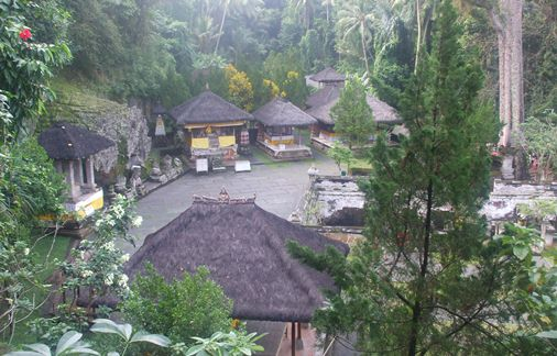 Bali Elephant Cave offers the visitor an interesting sense to explore the cave passag BaliBeaches: Goa Gajah Bali & History of Hinduism too Buddhism