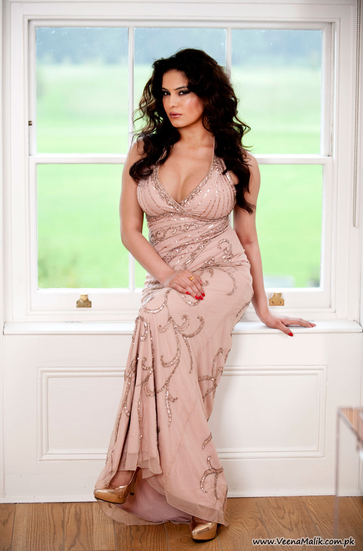Showbiz World Veena Malik Hot Wallpapers-3873