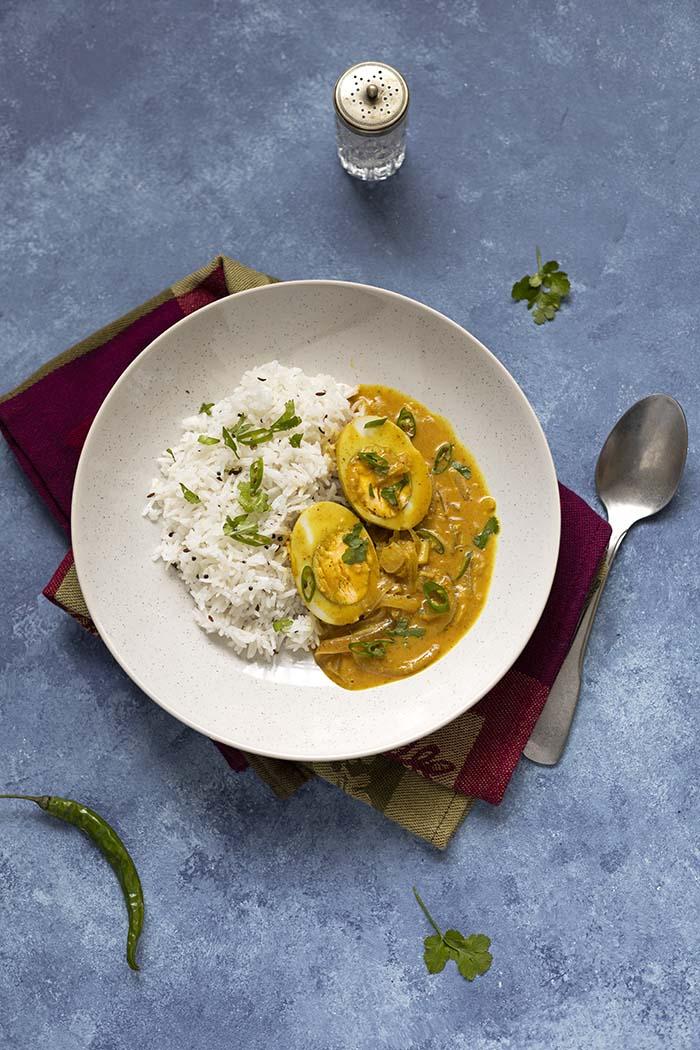 Curry kokosowe z jajkiem