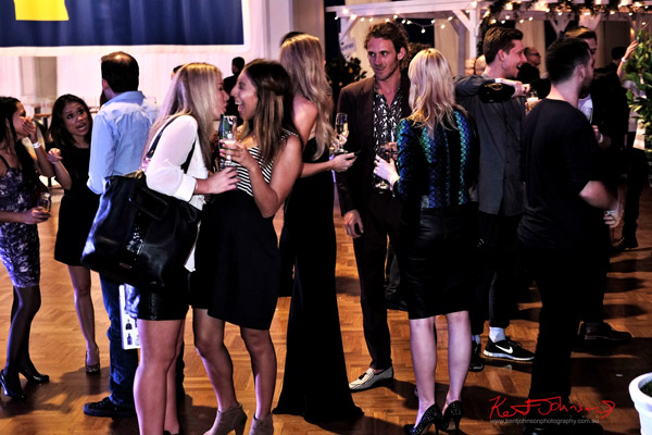 Guests enjoying themselves, The Social Party at Pelicano David Jones for VFNO
