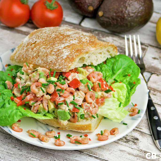 Ciabatta met een verrukkelijke salade van Hollandse garnalen en avocado