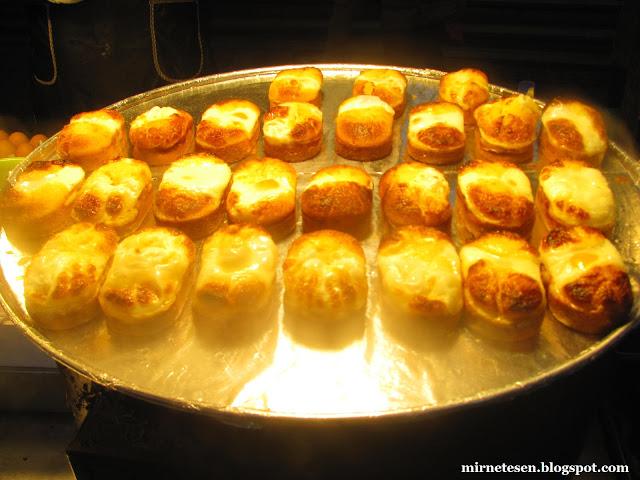 Мёндон - булочки с яйцом (egg bun)