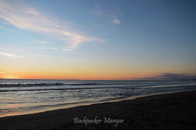 Kala sore hari di Pantai Batu Belig - Backpacker Manyar