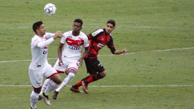 Duas partidas encerraram a sexta rodada da Série B do Campeonato Brasileiro  na noite deste sábado (19). O grande destaque foi o Sampaio Corrêa-MA be2d46418ad75