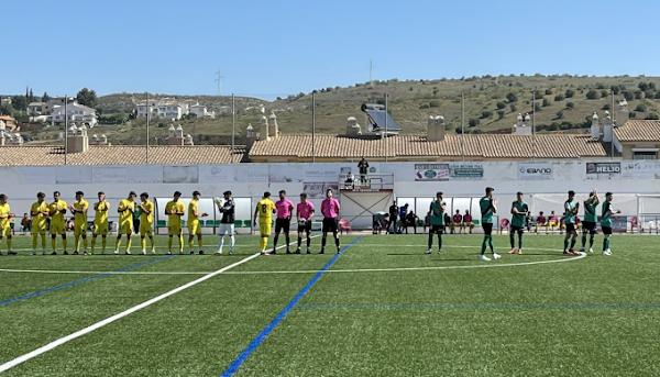 El Atlético Malagueño cae contra el Huétor Vega en el primer partido de la segunda fase (2-1)