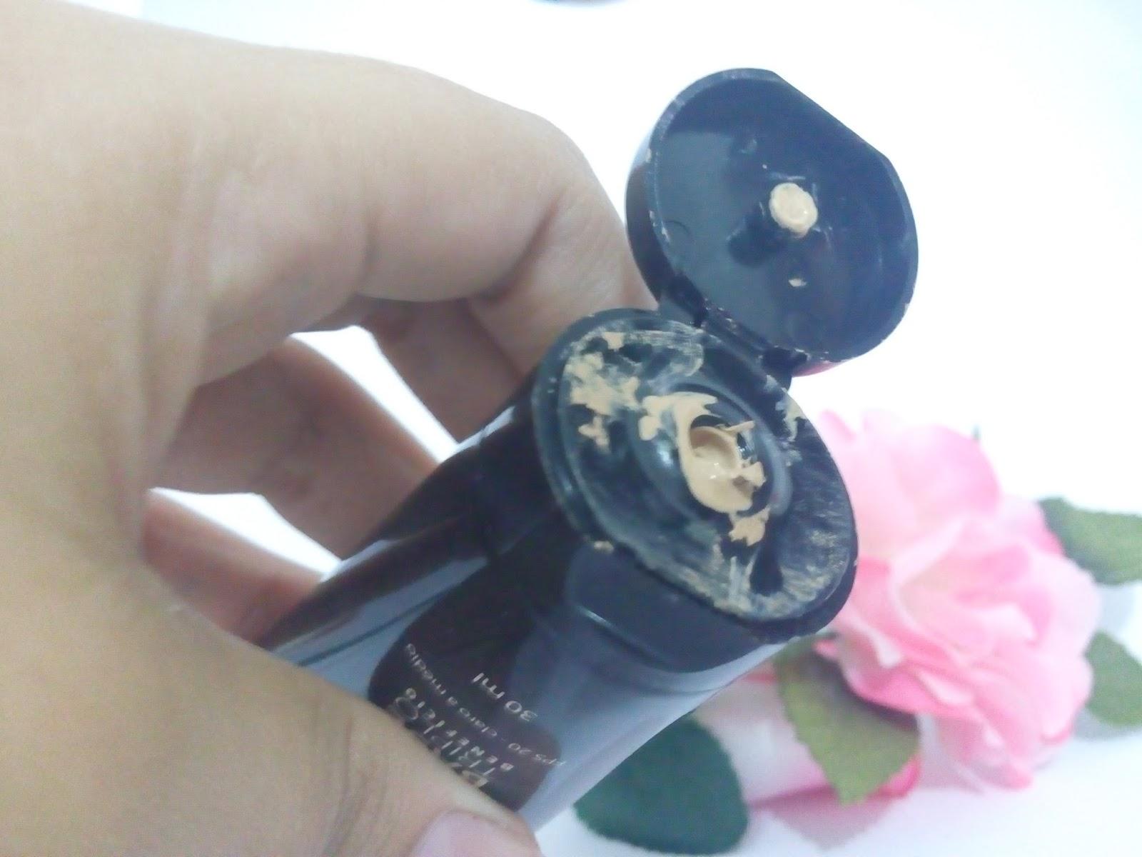 Base Triplo Benefício Jequiti, exalando purpurina, maquiagem, make