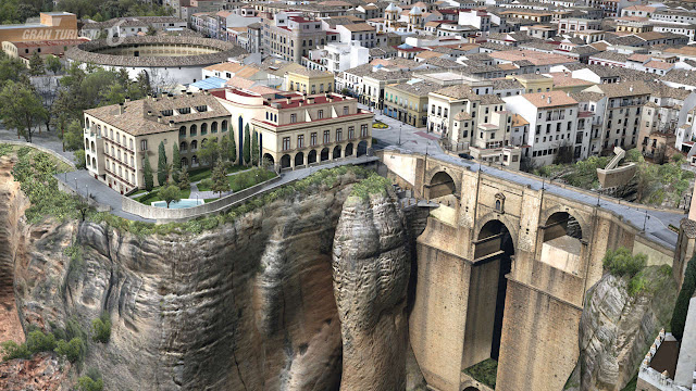 Ronda, a beautiful monumental cheerful city.