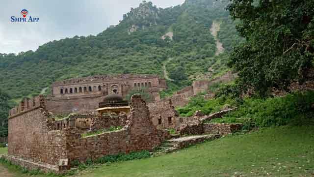 haunted bhangarh fort alwar