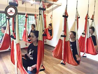 yoga aereo, nutricion, aeroyoga, salud, air yoga, bienestar, aeropilates, wellness, tendencias, ejercicio, dietas, adelgazar, perder peso, yoga, pilates, fitness, tutorial
